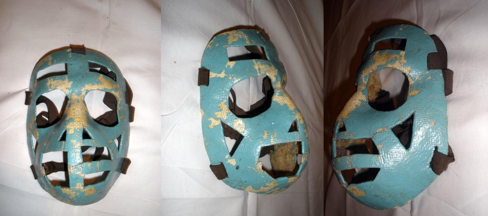 Maska, jakou používali např. Jiří Holeček nebo Vlado Dzurilla